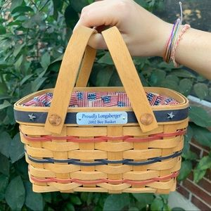 Longaberger 2002 Bee Basket with 5 signatures